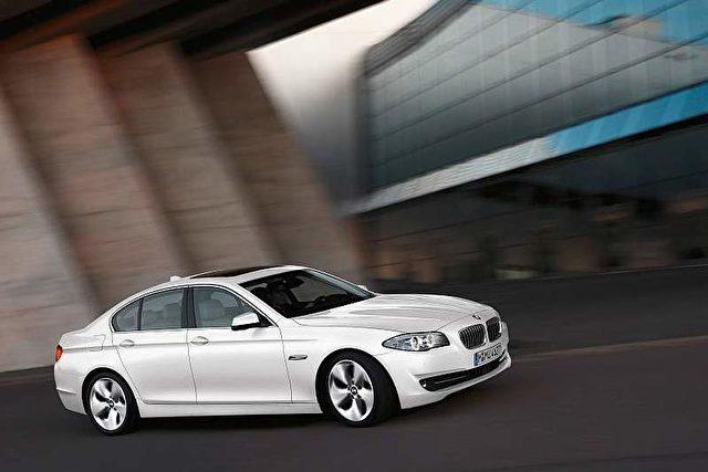 """Der BMW 520d. Dank modernster Spritspartechnik ist der Wagen """"Das Auto der Zukunft 2013"""". Foto: © BMW Group"""