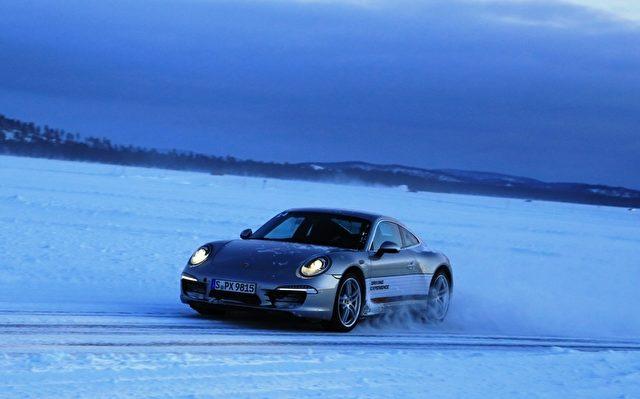 Porsche Blitzeiskurs in Finnland.  Foto: Andreas Burkert drive&style