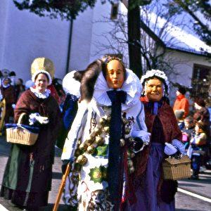 """""""Narro und Morbili"""" die Maskottchen der Fasnet in Villingen. Foto: Elke Backert"""