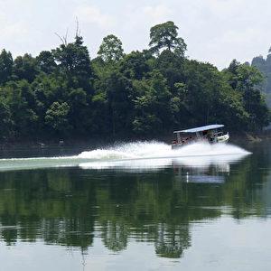 Seenlandschaft im Royal Belum State Park von Malakka.  Foto: Bernd Kregel