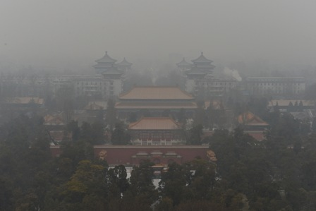 Peking hat allein im Januar vier Mal wegen schlechter Luftqualität Alarm ausgelöst. Foto: MARK RALSTON/AFP/Getty Images
