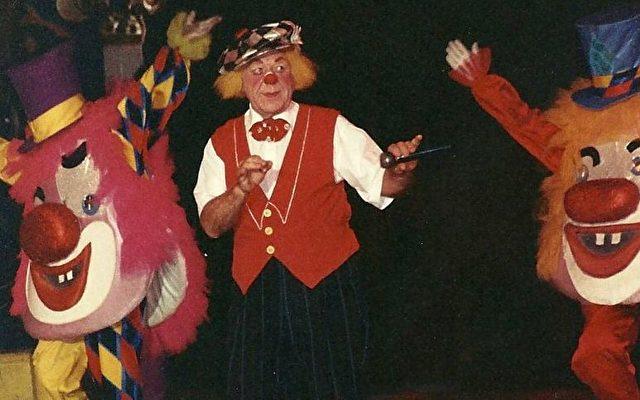 """Oleg Popow: """"Ich bin kein Clown, ich bin ein Komiker.""""  Foto: Roland R. Ropers"""