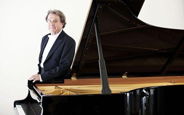 Rudolf Buchbinder spielte Beethoven in Berlin.  Foto: Marco Borggreve