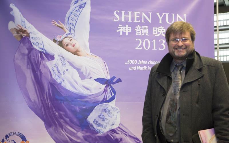 Ein westliches Orchester könnte Shen Yun-Musik nicht  spielen