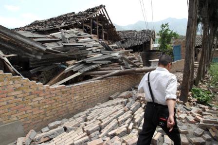 Erdbeben in China: großes Misstrauen gegenüber inländischen Hilfskräften