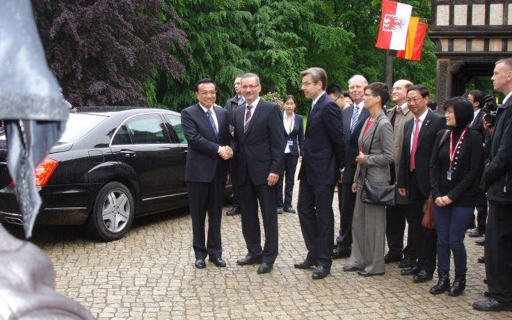 Chinas Ministerpräsident Li hält außenpolitisches Statement in Potsdam
