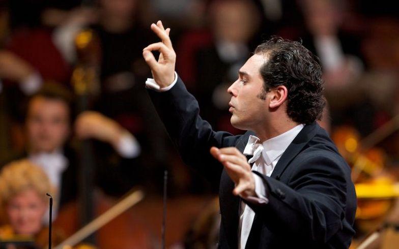 Tugan Sokhiev und das Deutsche Symphonie Orchester Berlin bezaubern in der Philharmonie