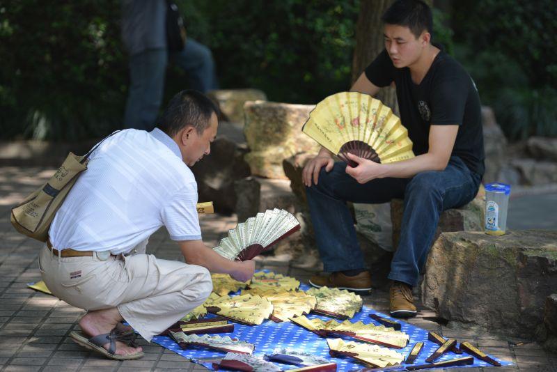 """China: Der Druck der Wirtschaft lässt Premierminister Li Keqiang """"kaum noch atmen"""""""