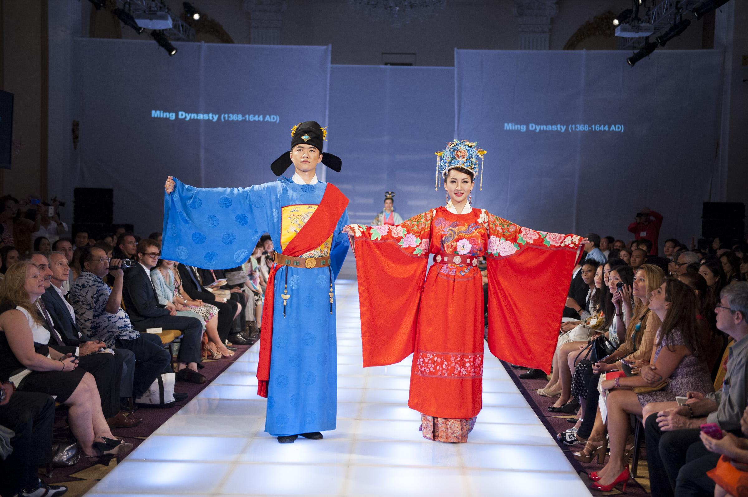 Die besten chinesischen Kleider der Welt (BILDER)