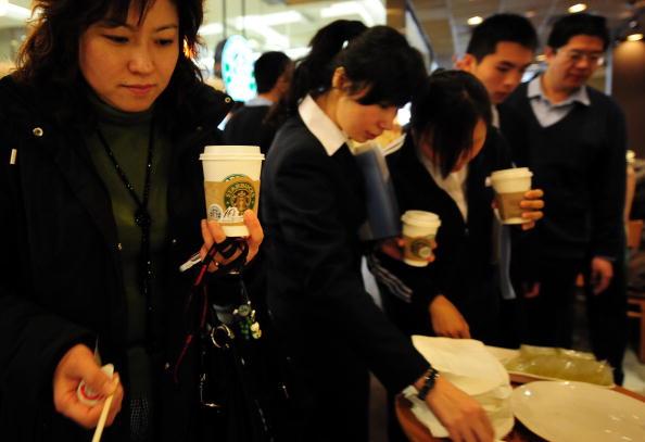 """China: Staatsfernsehen erntet Spott für """"Anti-Starbucks""""-Report"""