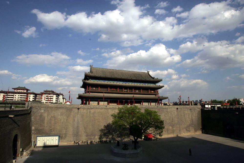 Chinesische Redewendung: Geh durch drei Tore und töte sechs Generäle