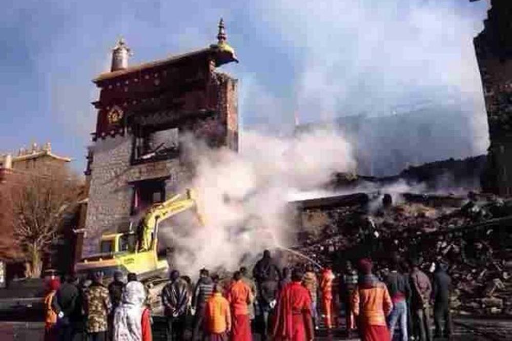 Tibet: Historisches Kloster Lithang bei Großbrand zerstört