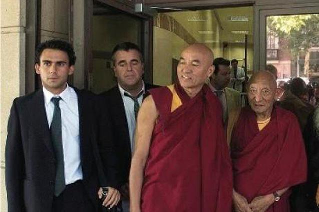 Spanien bekommt Druck von China wegen Völkermord-Haftbefehl