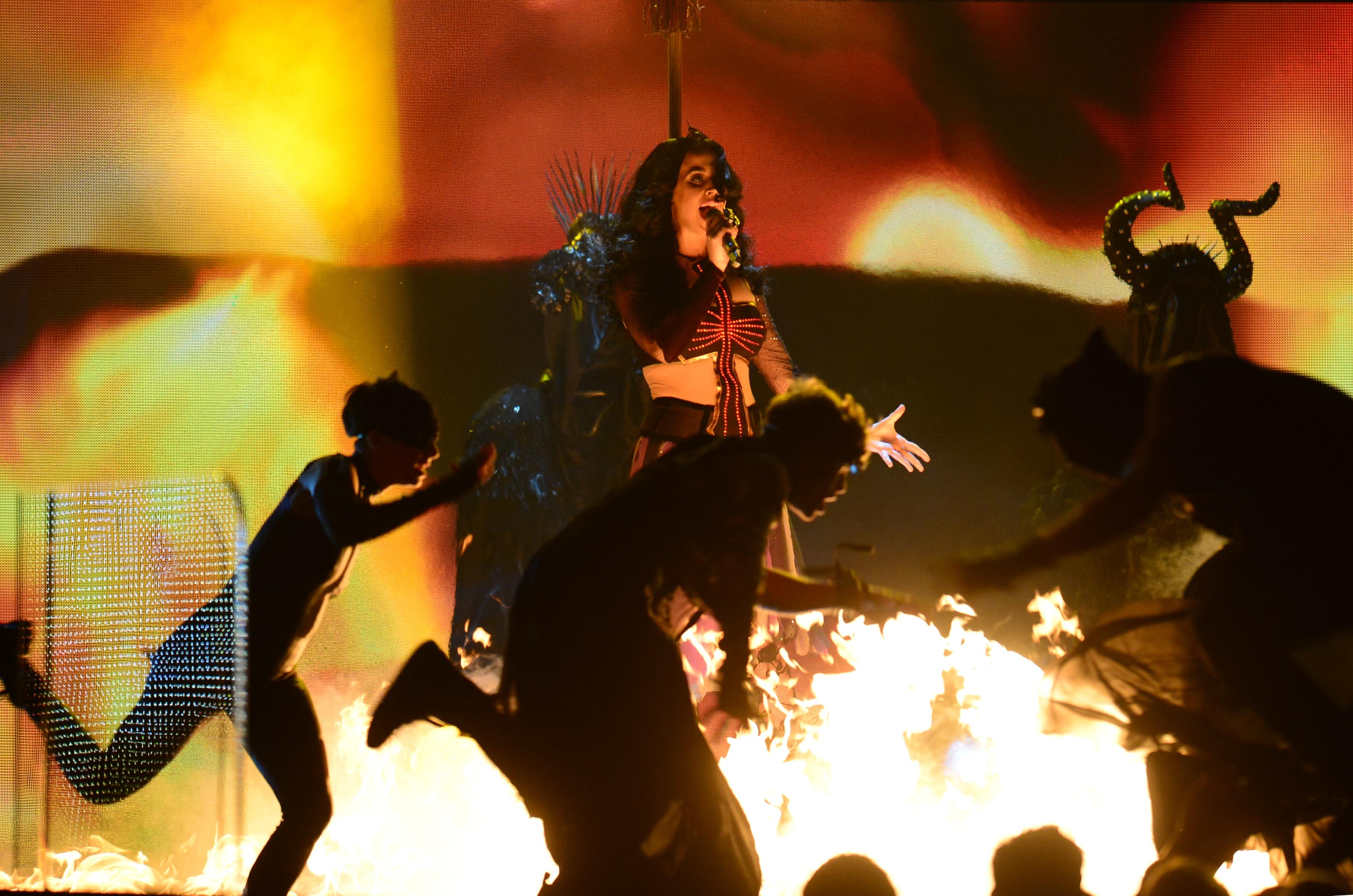 """""""Dark Horse"""": Teuflischer Auftritt bei den Grammy Awards"""