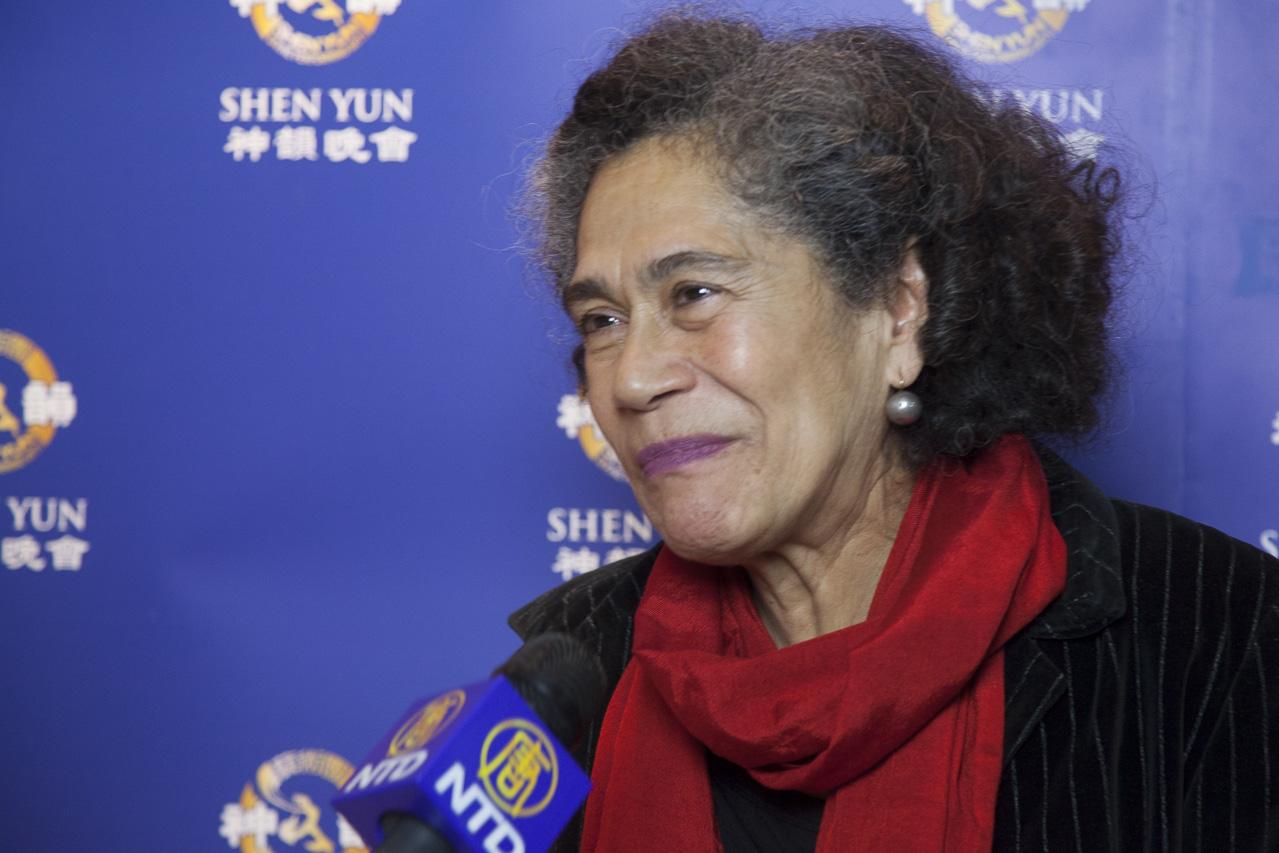 """Mexikanische Journalistin: """"Was Shen Yun ausdrückt, ist die Freiheit"""""""