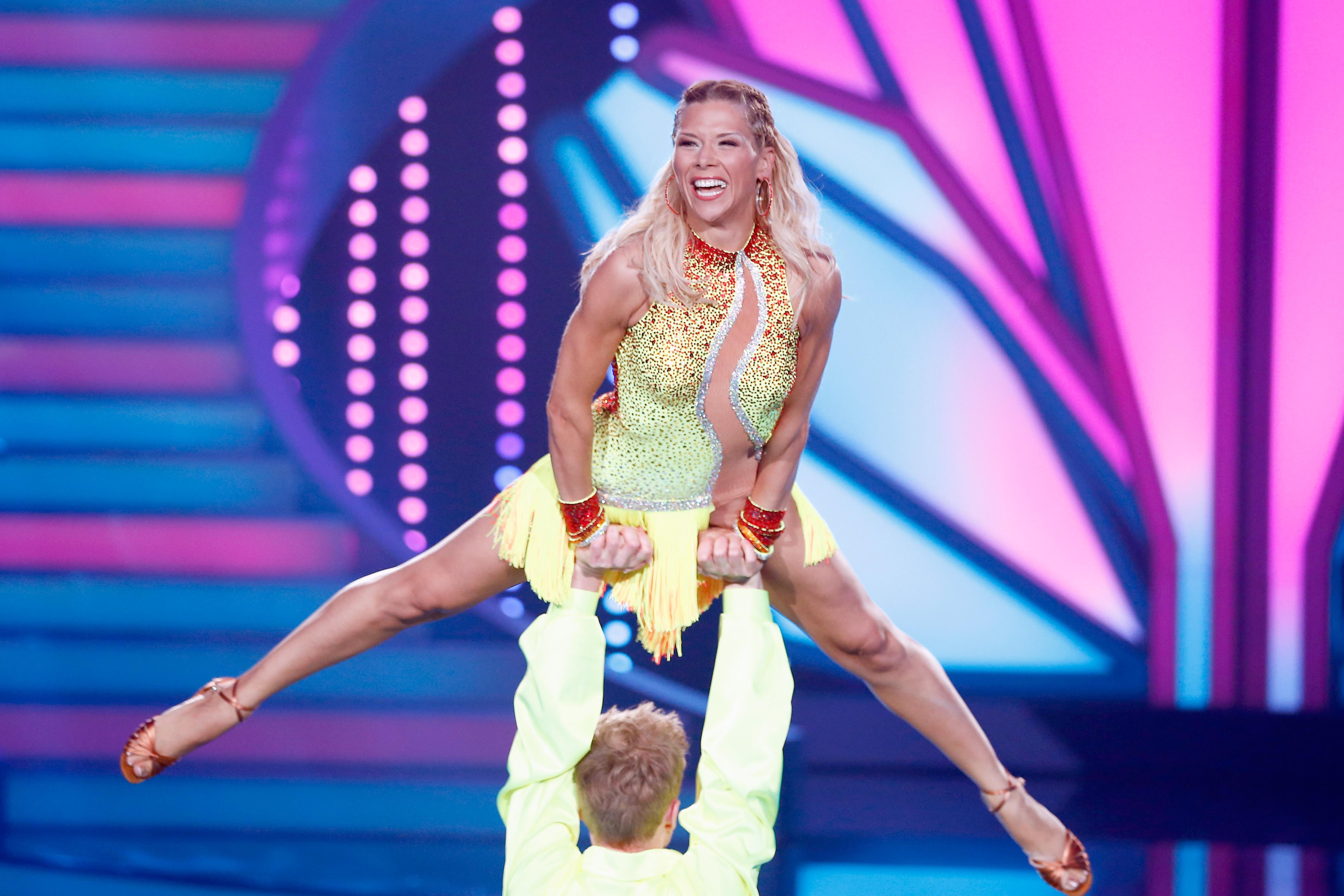Tanja Szewczenko bei Let´s Dance Foto: Andreas Rentz/Getty