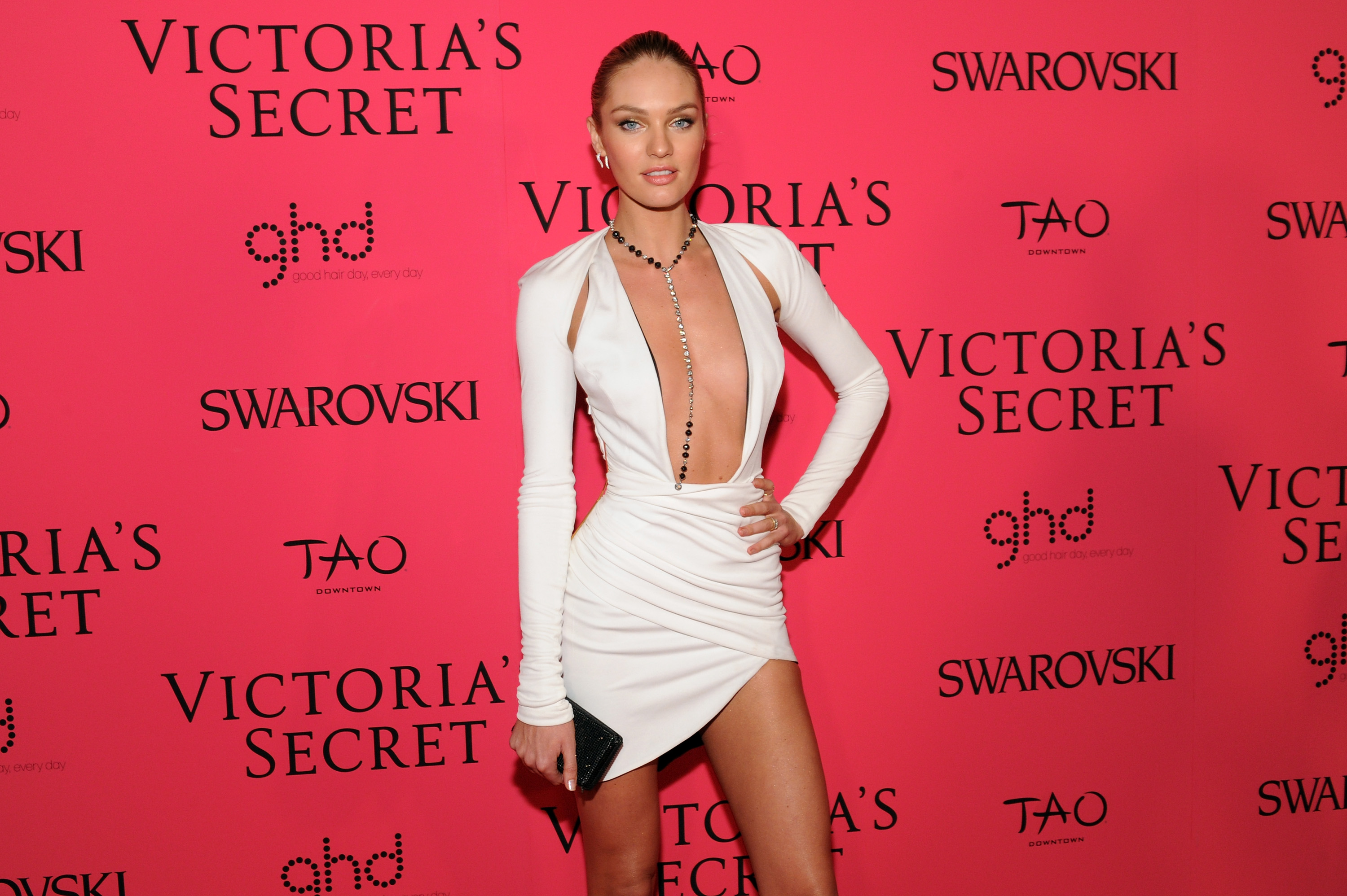 """Candice Swanepoel: """"Sexiest Woman Alive"""""""