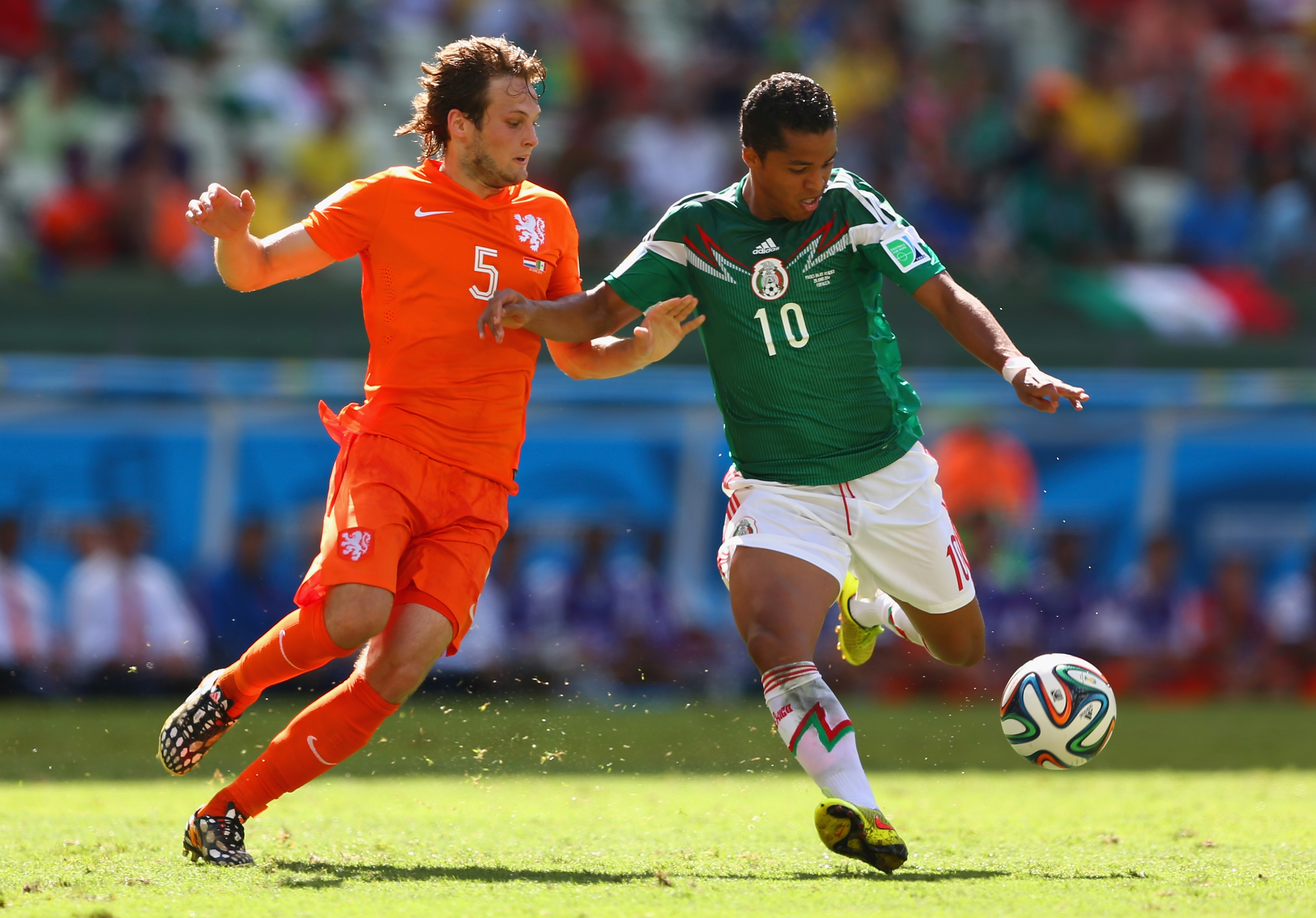 Niederlande gegen Mexiko (Update): 1:1 Gleichstand durch Tor von Giovani Dos Santos und Sneijder  (Videos)
