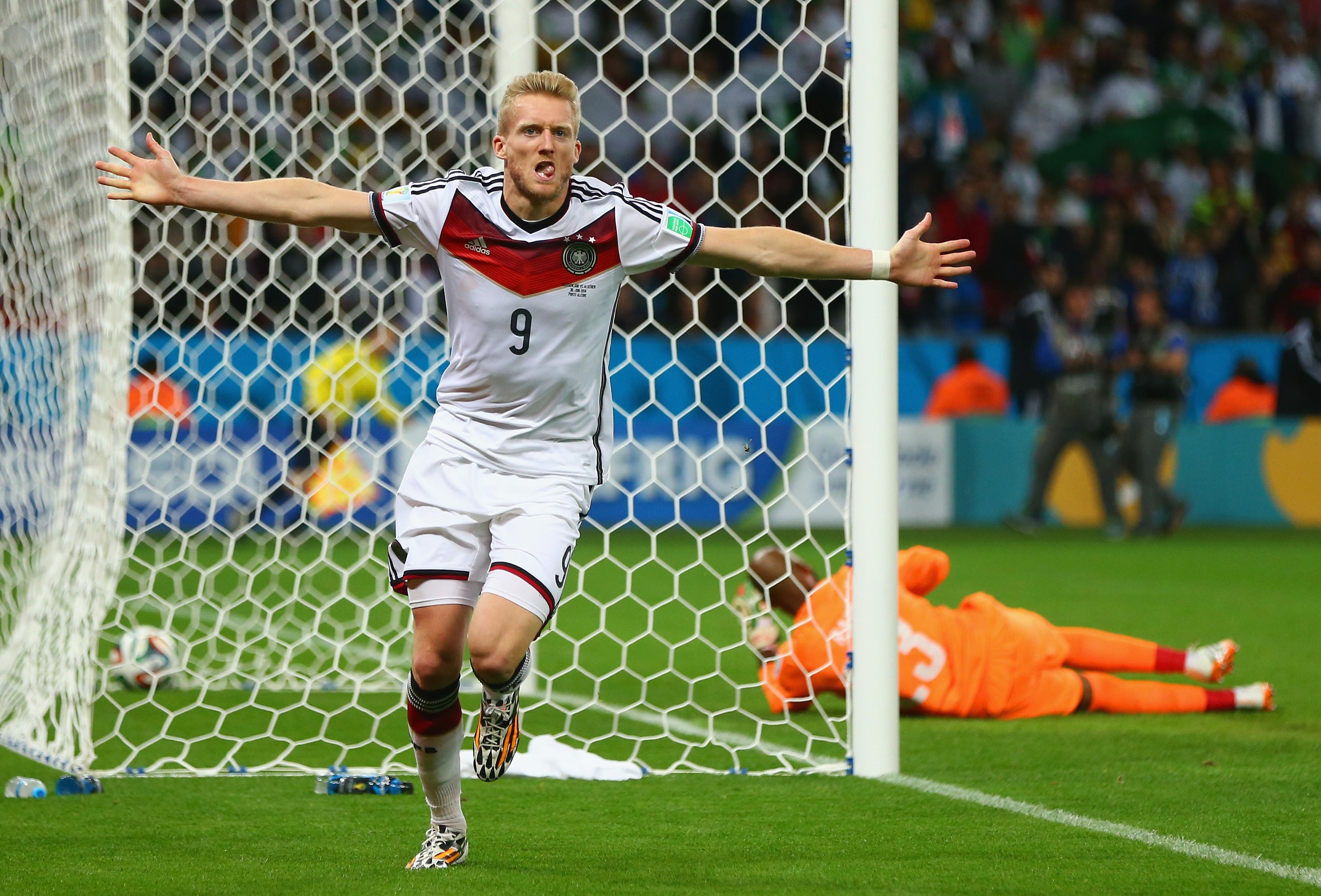 Deutschland gegen Algerien: Tor durch André Schürrle bringt Deutschland in die Führung (Video)