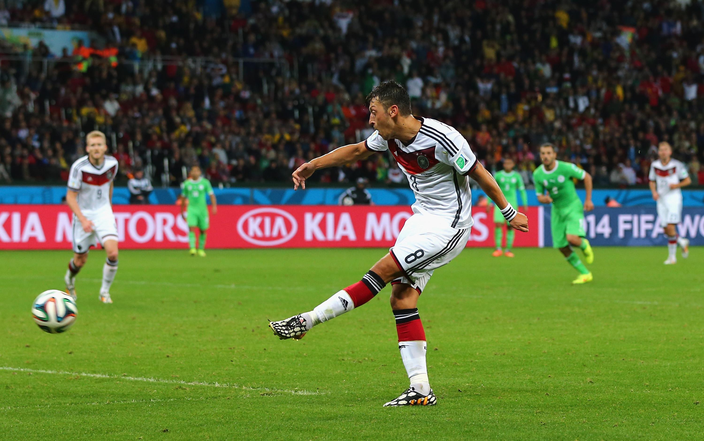 Zweites Tor von Mesut Özil für Deutschland gegen Algerien: Deutschland ins Viertelfinale 2:1 (Video)