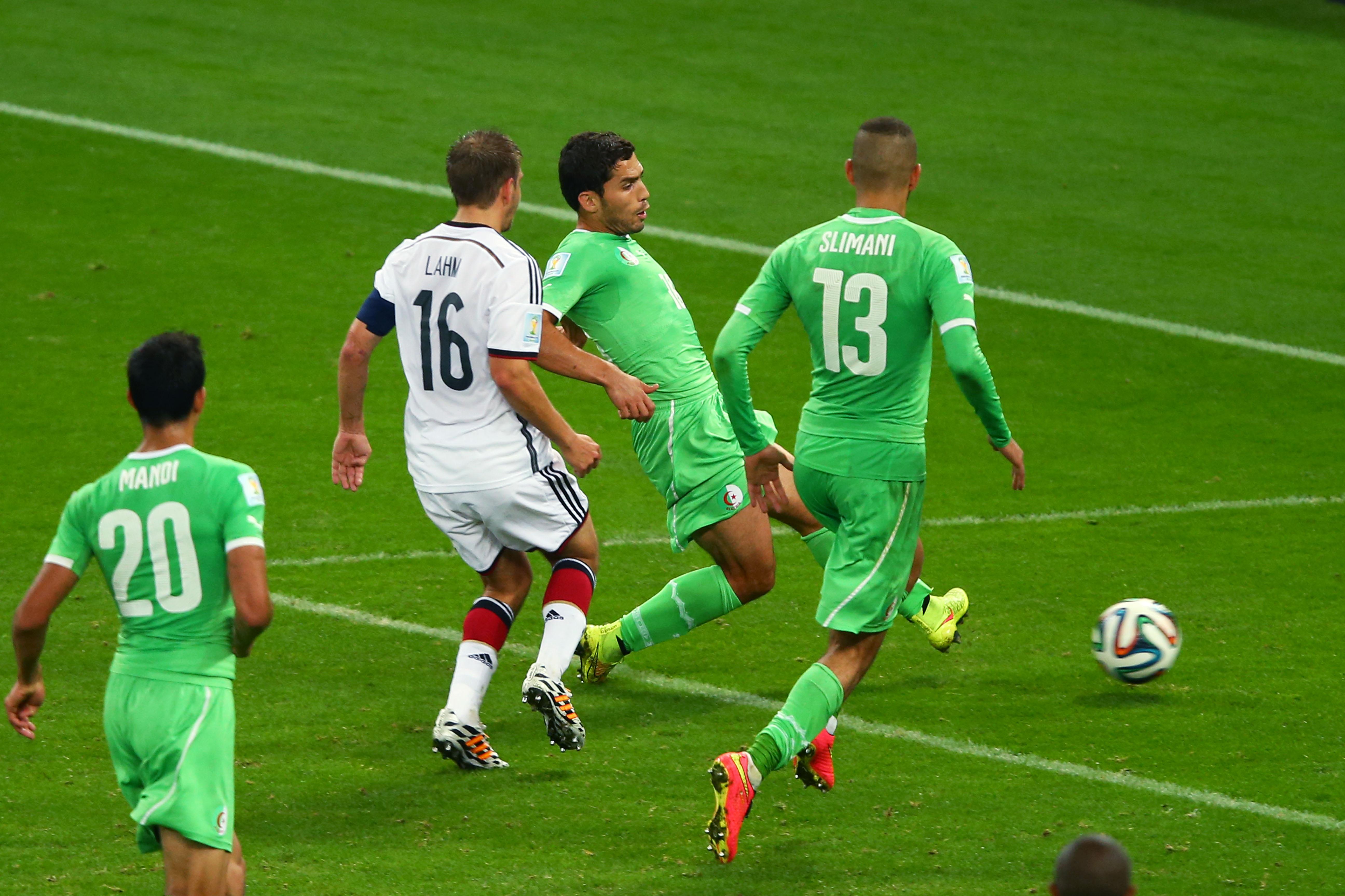 Unfassbar: Tor durch Abdelmoumen Djabou für Algerien in der letzten Minute (VIDEO)