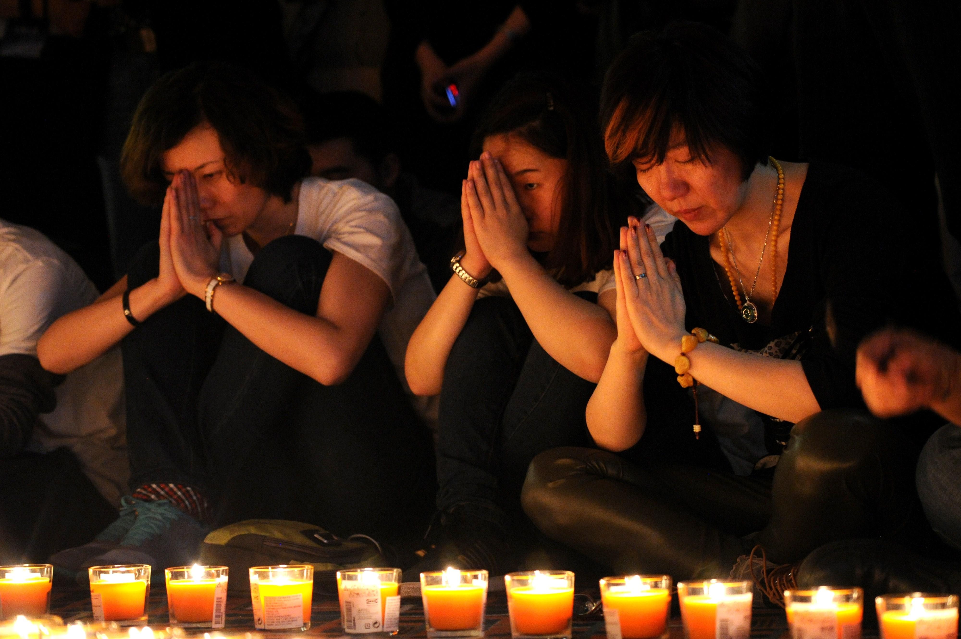 """Flug MH370 – Die Hoffnung der Angehörigen: """"Ich hoffe das der Buddha ihn zurückbringt!"""""""