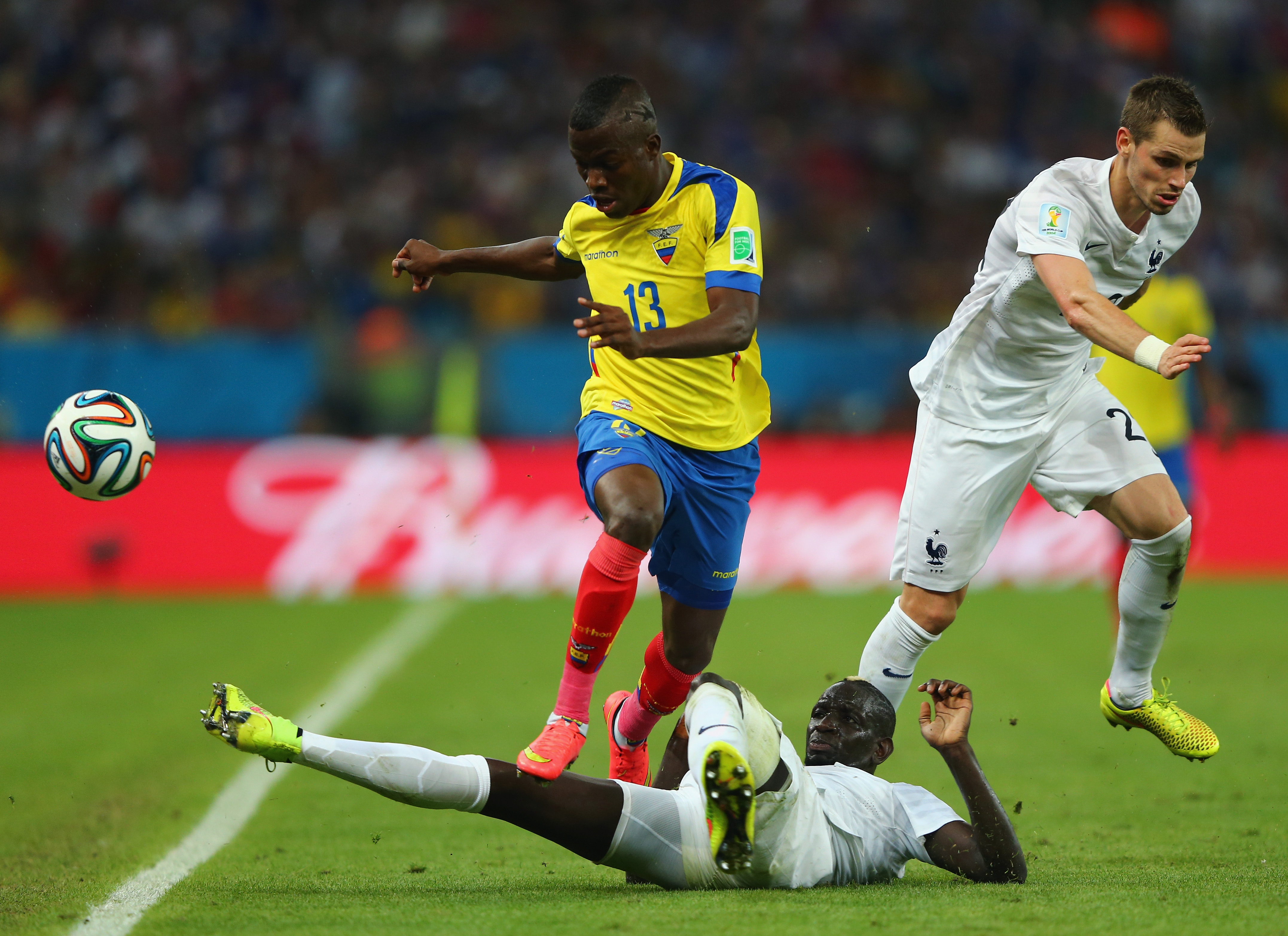 Rote Karte von Antonio Valencia (Ecuador) gegen Franzosen Lucas Digne (Video)