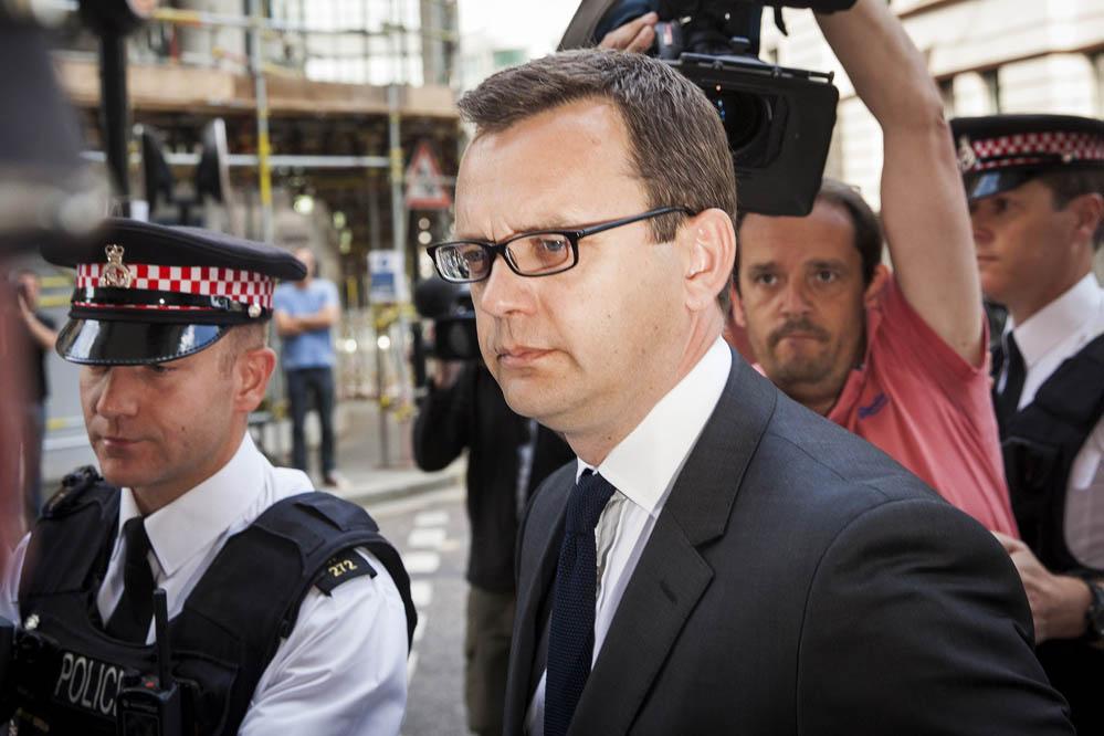 """Hauptverantwortung für """"News of the World""""- Abhörskandal: Andy Coulson muss 18 Monate ins Gefängnis"""