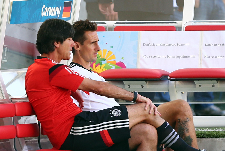 Deutschland gegen Frankreich –  Startaufstellung steht! Jogi Löw baut Team um!
