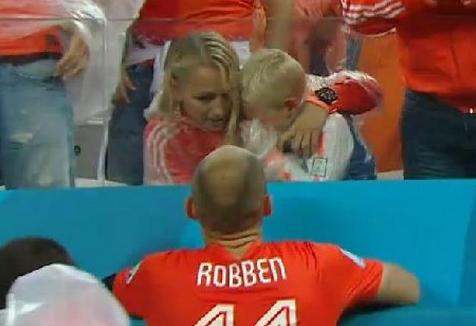 WM 2014: Ein tragisches Halbfinale-Aus für Familie Robben (+Video)