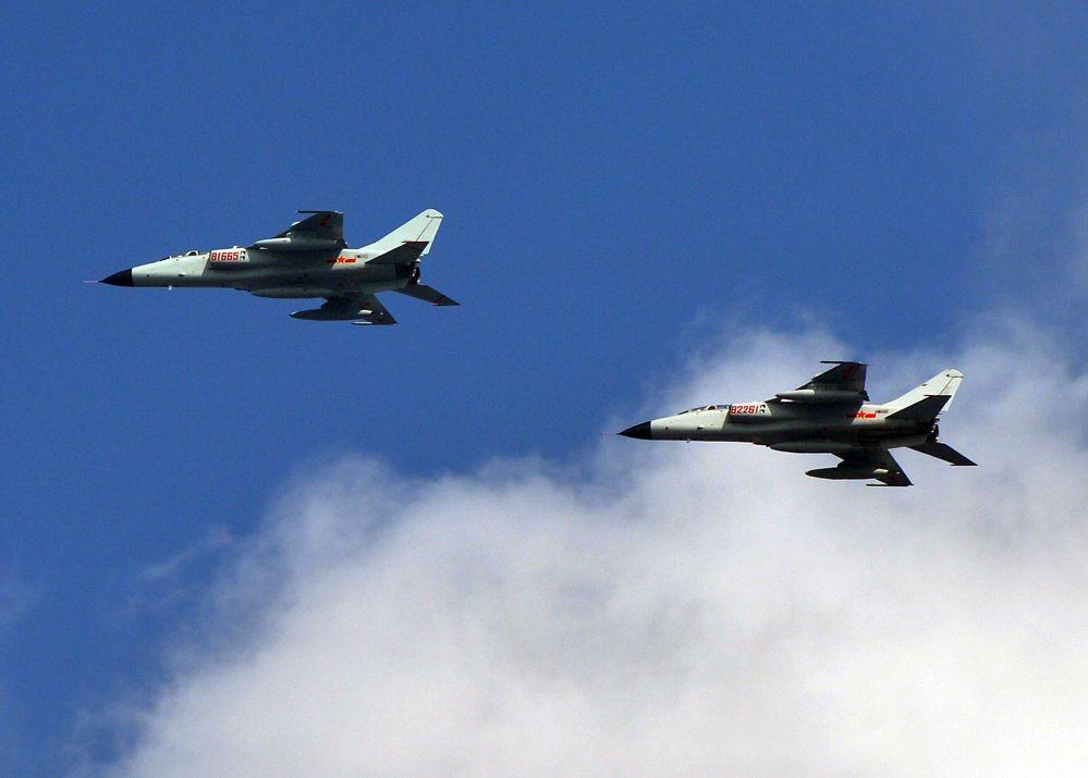China: Mehr Kommunismus Training statt militärischer Kampfausbildung – Gefahr im Luftraum