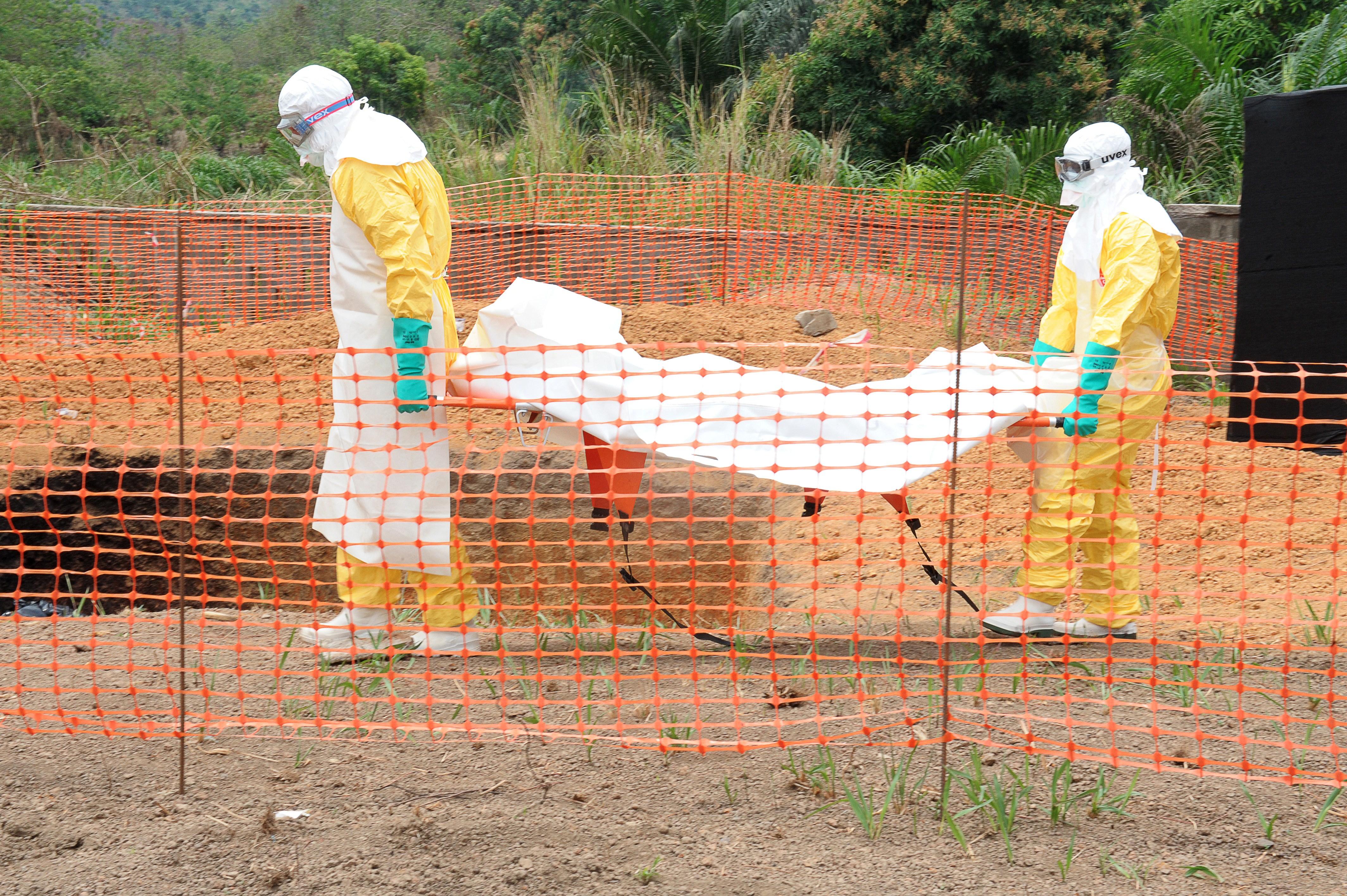 """Ebola-Seuche bereits unkontrollierbar? Ist Ebola die """"perfekte"""" Biowaffe gegen die Menschheit? (+Video)"""