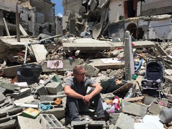 """Israel Konflikt: Jürgen Todenhöfer erlebt """"Bombardierungsorgie"""" im Gaza (+Video)"""