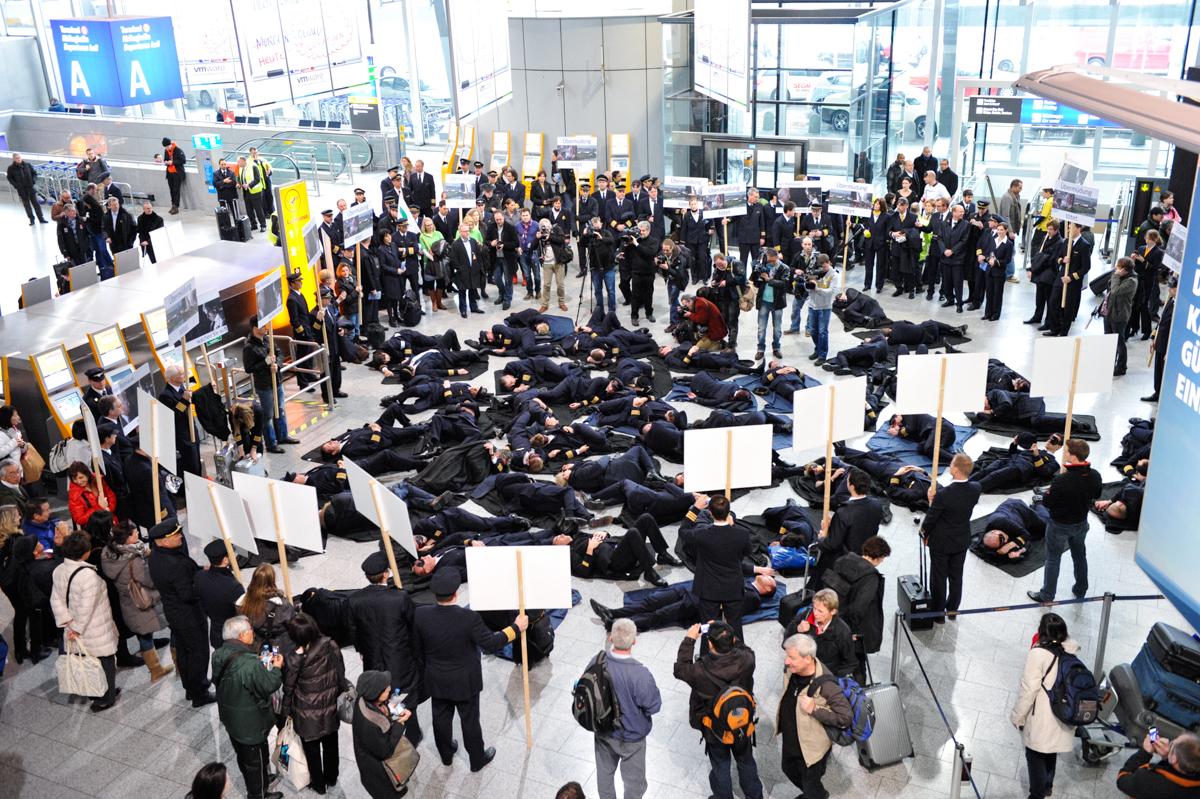 Pilotenstreik in Frankfurt: Heute von 8 bis 23 Uhr keine Lufthansa-Langstreckenflüge! Service-Hotline, Kundenrechte