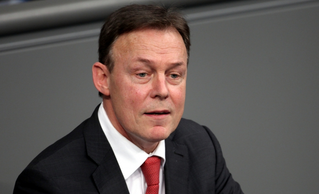 Oppermann gegen Erhöhung von Bundeswehr-Etat