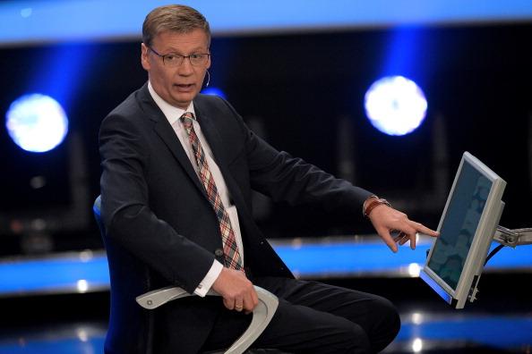 """Günther Jauch heute im  Live-Stream/Free TV: Oliver Pocher moderiert Prominentenspecial """"5 gegen Jauch"""" – online live oder als Wiederholungen in der Mediathek RTL Now"""