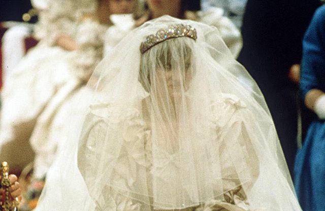 Prinzessin Diana: Ihr Hochzeitskleid bald für jedermann?