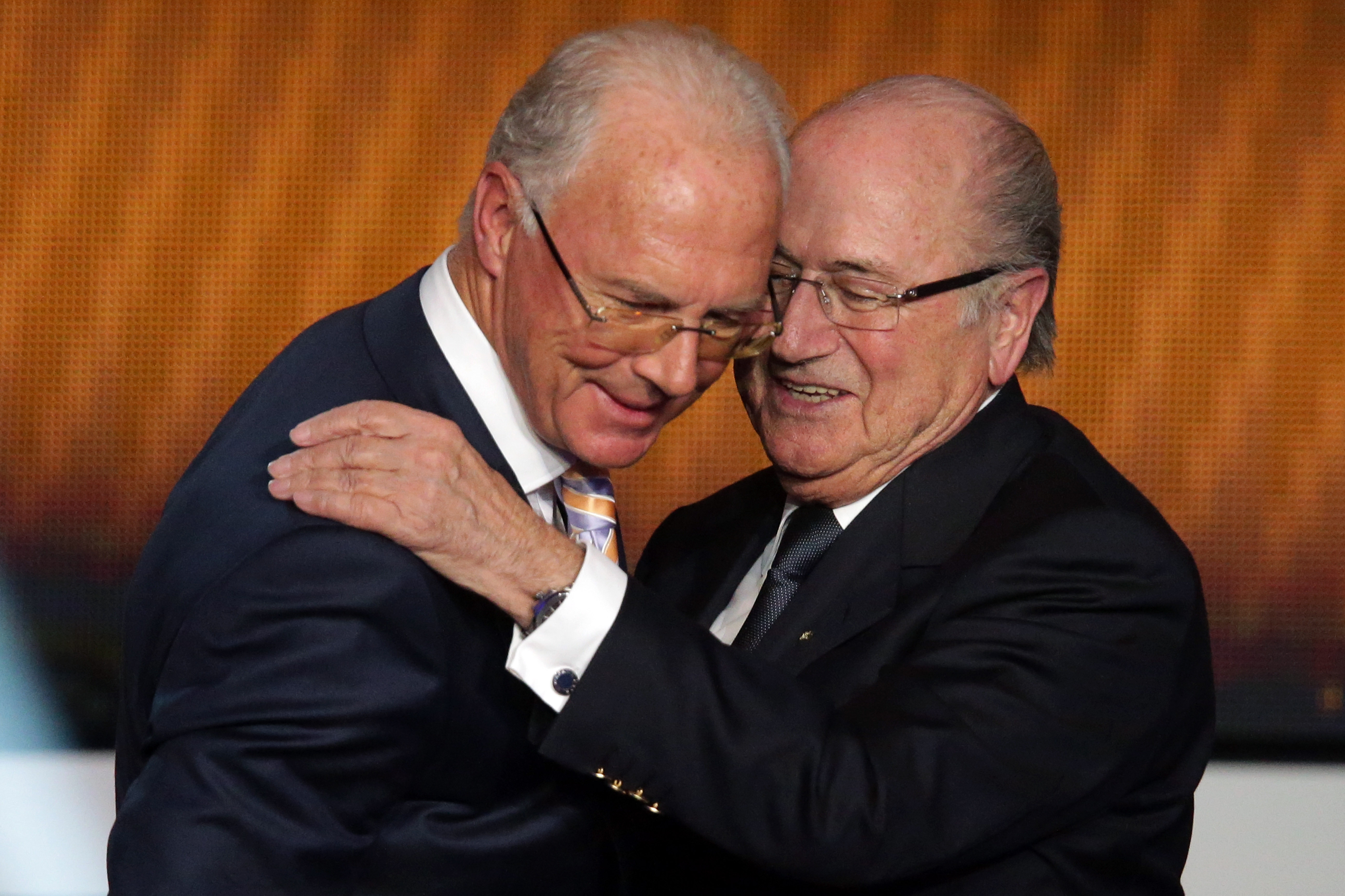 "Franz Beckenbauer-Korruption: ""Der Kaiser"" im Visier der FIFA-Ermittler (+Video)"