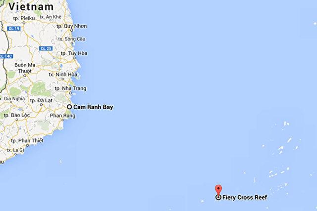 Chinas neuer Militärstützpunkt mit Landebahn ensteht nur 460 Kilometer vor Vietnams wichtigstem Hafen Cam Ranh Bay.