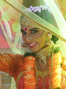 Tänzerin beim Deepavali-Fest in Melaka