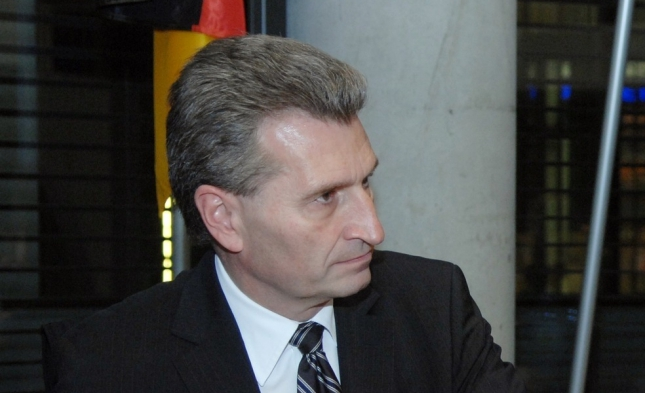 Oettinger hält Strafen gegen Frankreich weiter für möglich