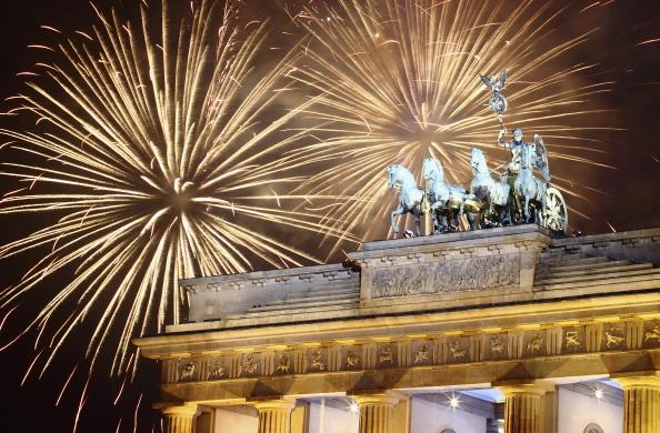"""Live """"Silvesterfeuerwerk am Brandenburger Tor, Berlin"""" im Live-Stream, heute, 31.12., ab 23.50 – 0.10 Uhr, SICHERHEITSTIPPS FEUERWERK"""