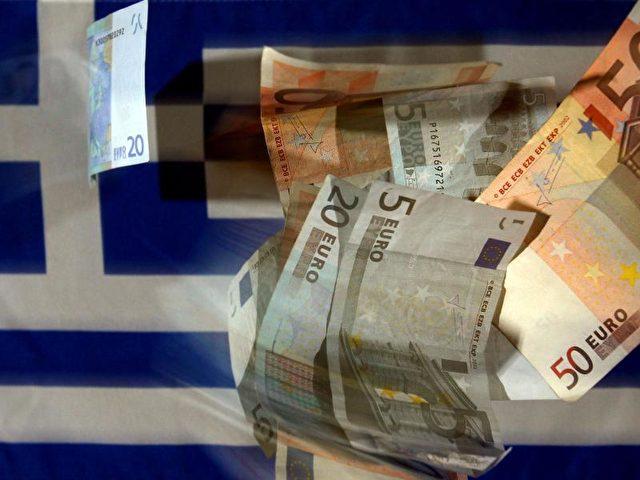 Unsicherheit in Griechenland: Allein im Dezember haben Sparer und Unternehmen 2,5 Milliarden Euro abgehoben. Foto: Oliver Berg/dpa
