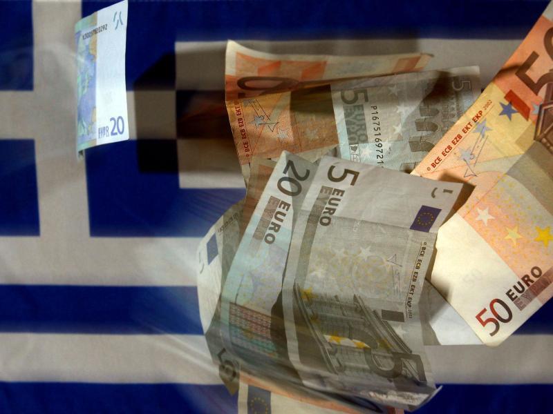 Angst vor politischen und wirtschaftlichen Turbulenzen: Griechen heben 2,5 Milliarden Euro ab