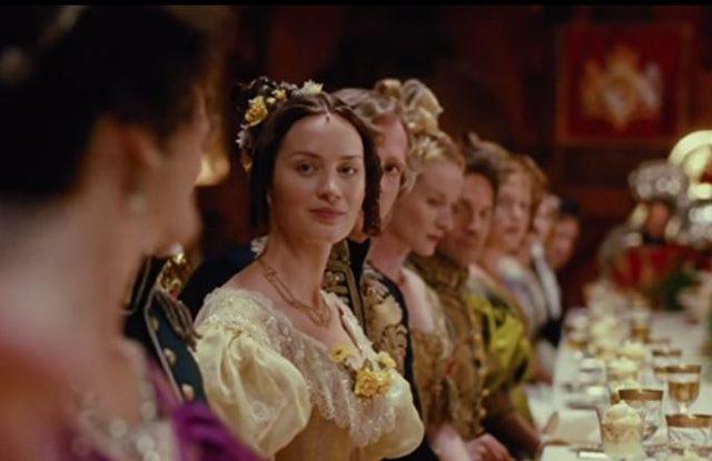Weihnachten Emily Blunt In Victoria Die Junge Königin Im Live