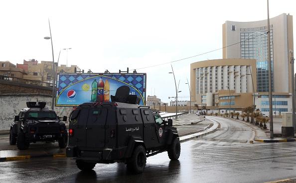 """Live-Ticker ISIS-Geiselnahme in Tripolis mit acht Toten: Al Jazeera berichet: """"Attentäter sprengten sich in die Luft"""""""