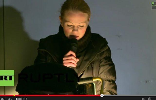 Erstmals tritt mit Kathrin Oertel am Sonntag eine Pegida-Vertreterin bei Günther Jauch auf. Foto: Screenshot Youtube / Russia Today