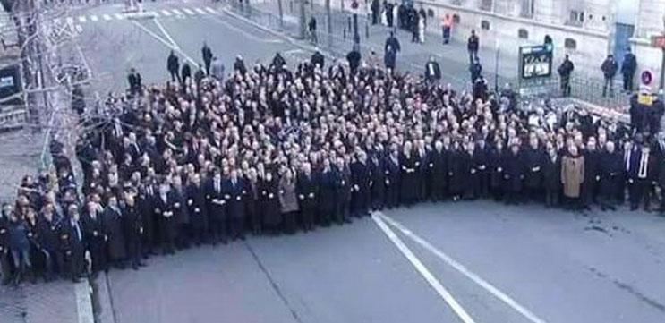 """Bilder der Politiker vom """"Charlie Hebdo""""-Gedenkmarsch in Paris entstanden auf abgesperrter Nebenstraße"""
