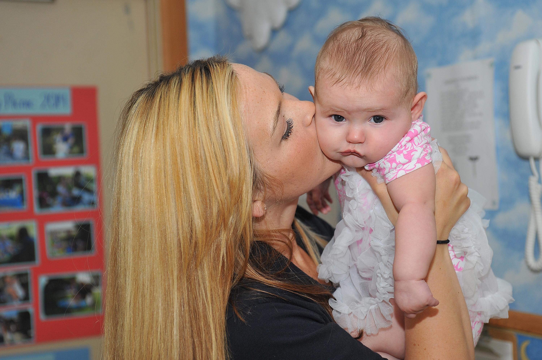 Gen-Babys: England erlaubt künstliche Befruchtung mit DNA von drei Menschen