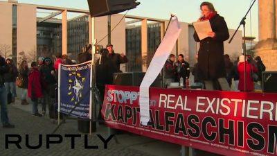 Liveticker beendet: Zur Friedensdemo in Berlin kamen laut Polizei 800 Teilnehmer